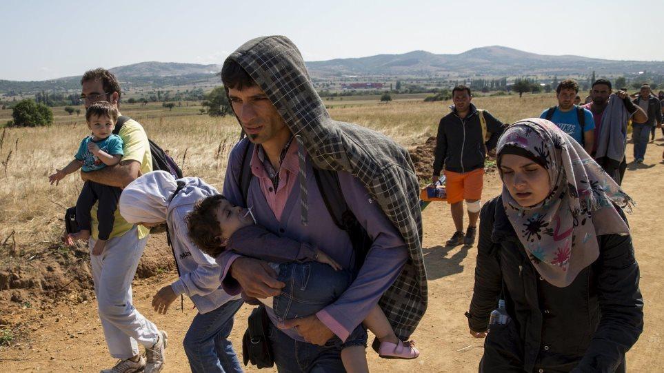 Καβάλα: Εντόπισαν φορτηγό με 122 πρόσφυγες από τη Συρία