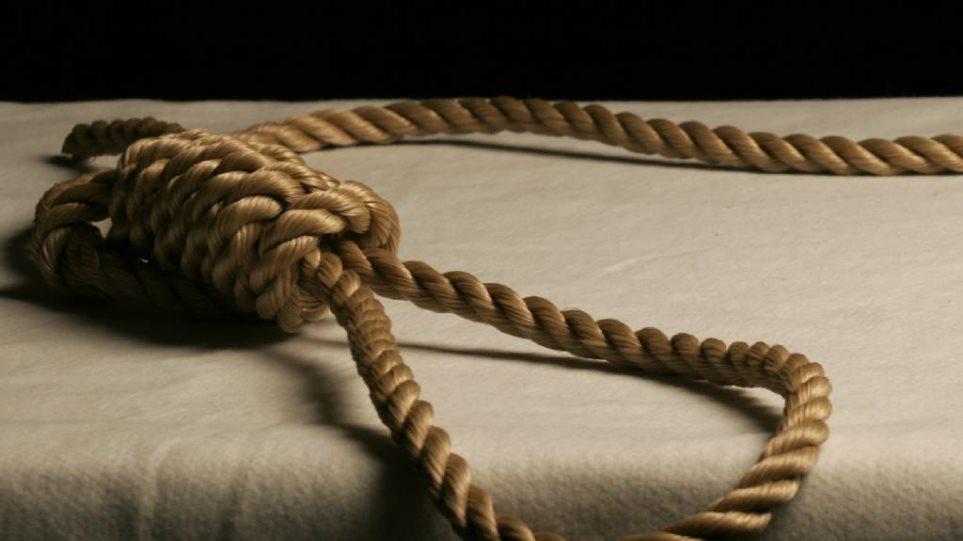 Πήλιο: Κρεμάστηκε στην αυλή του σπιτιού του