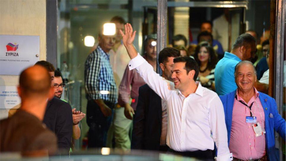 Η ελάφρυνση του χρέους στην κορυφή της ατζέντας, λέει στέλεχος του ΣΥΡΙΖΑ στο Reuters