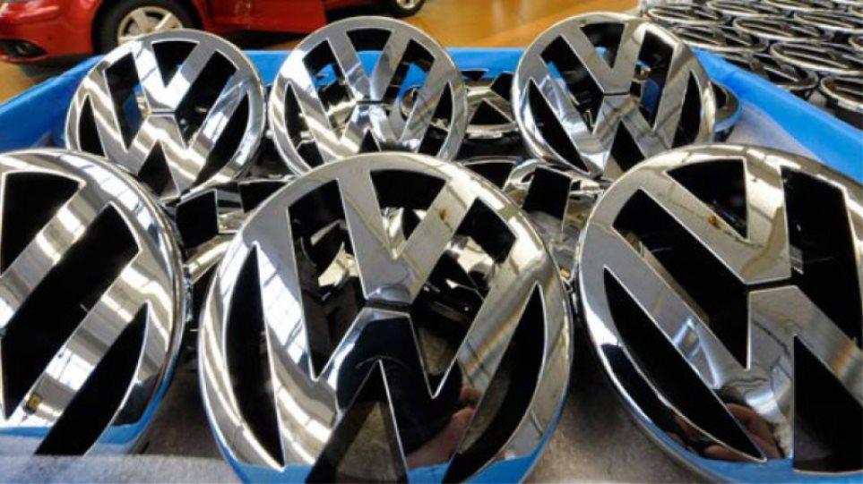 Σκάνδαλο μεγατόνων για τη VW: Εβγαζε ψεύτικες μετρήσεις ρύπων στα diesel!