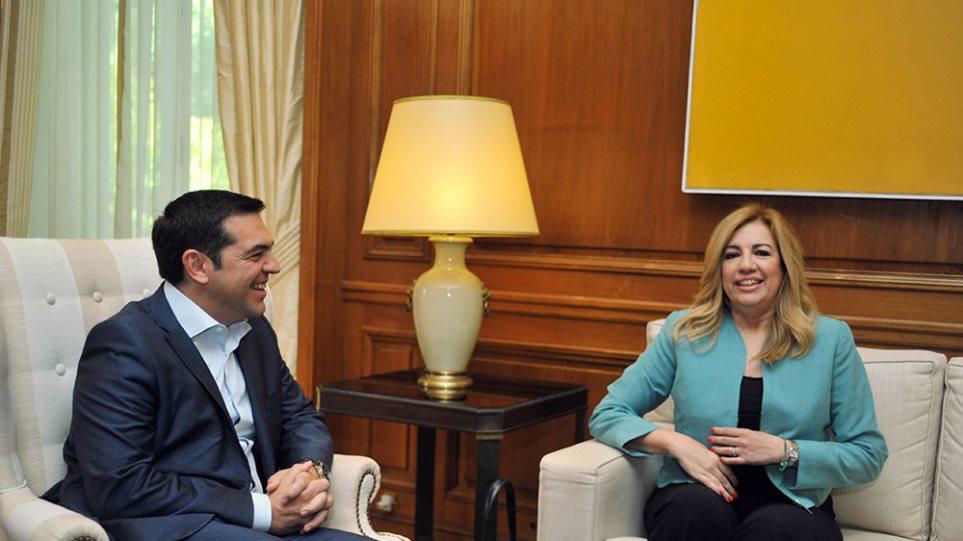 Γεννηματά: Αδιανόητα τα όσα διαρρέει ο Τσίπρας για συνεργασία με τον ΣΥΡΙΖΑ