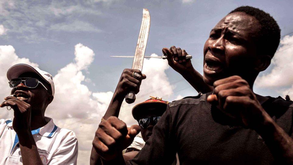 Μπουρκίνα Φάσο: Οι πραξικοπηματίες ζητούν να φύγει ο στρατός από την πρωτεύουσα