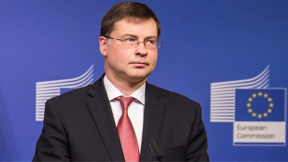 Ντομπρόβσκις: Ο Τσίπρας έχει υπογράψει μνημόνιο και να το τηρήσει - Αλλαγές δεν γίνονται