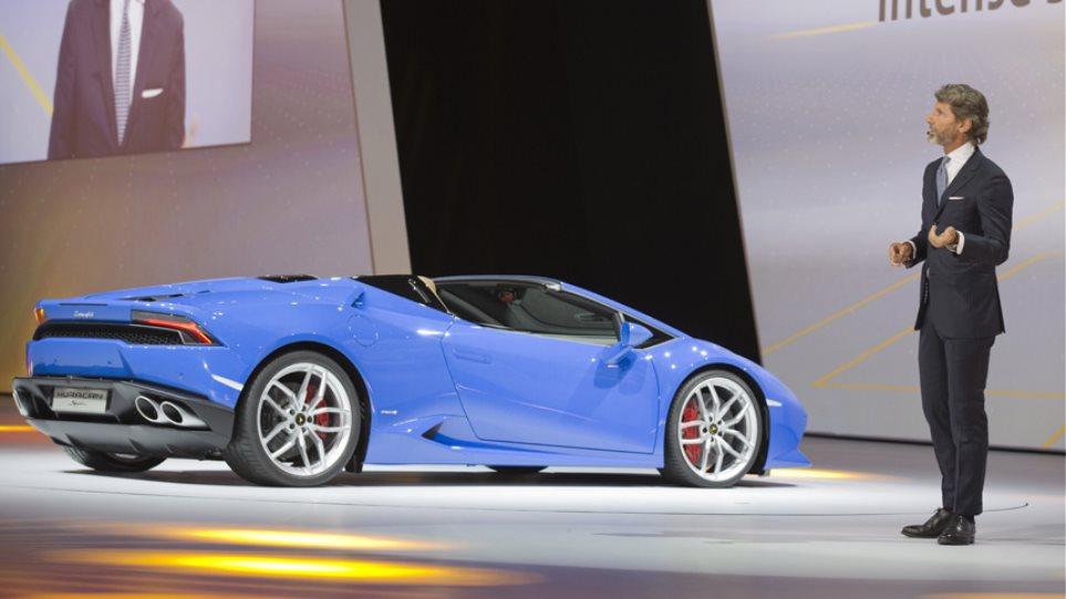 Ο Πρόεδρος της Lamborghini παρουσιάζει την ανοικτή Huracan (vid)