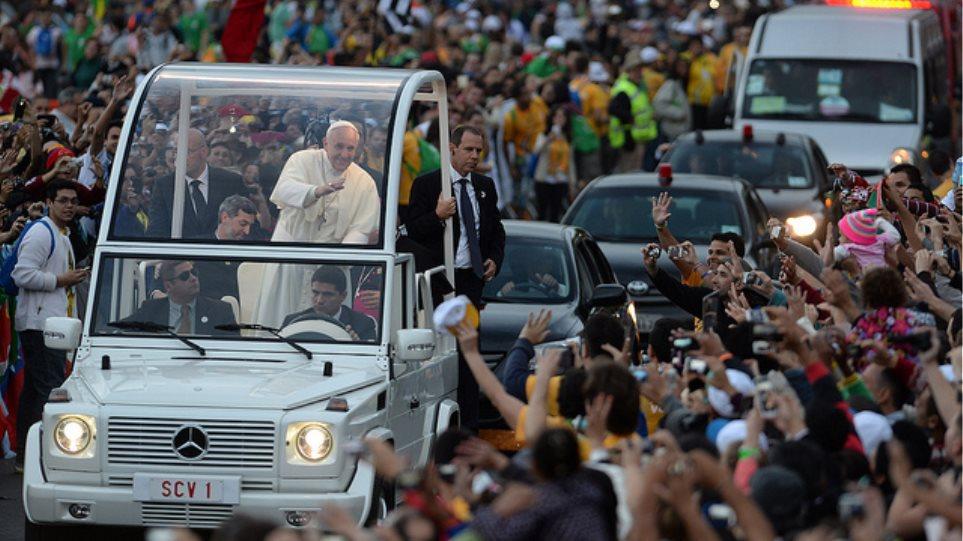 Ο Πάπας στις ΗΠΑ: Φόβος για τρομοκράτες με στολές αστυνομικών!