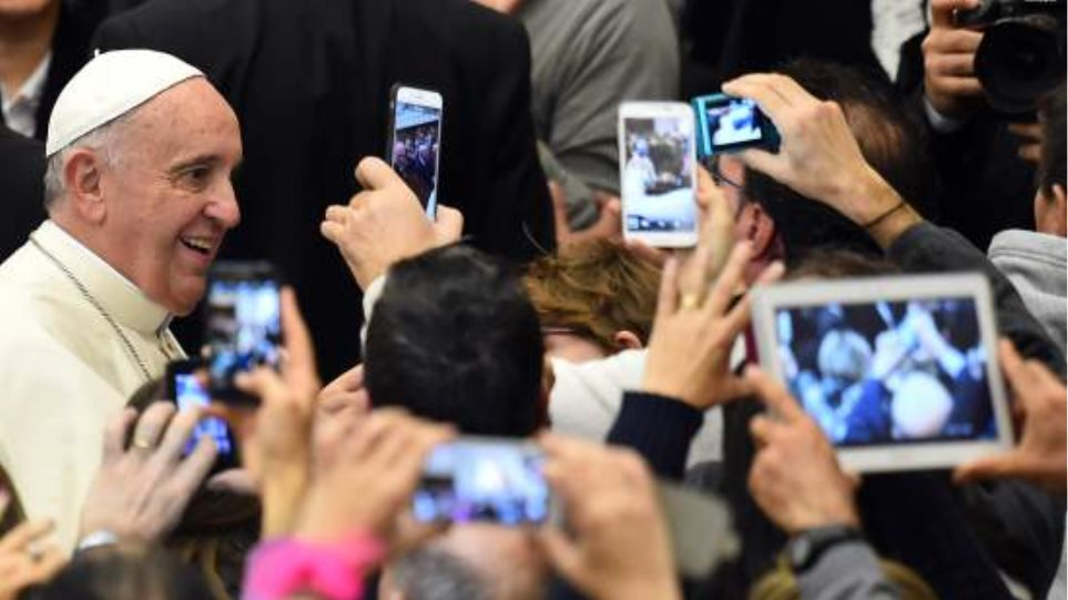 ΗΠΑ: Πάπας εναντίον iPhone 6s σημειώσατε... 1