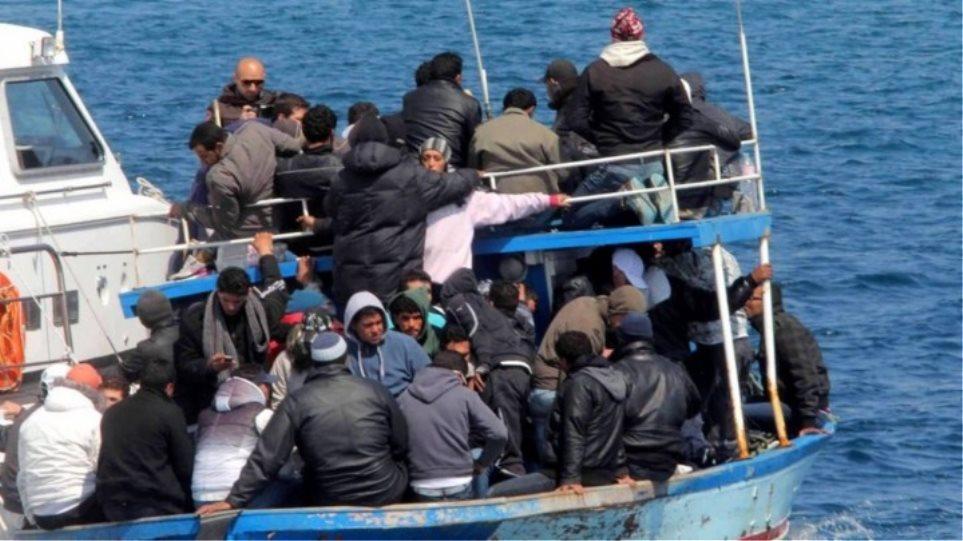 Οι 300 κάτοικοι της Τήλου φιλοξένησαν περισσότερους από 4.600 πρόσφυγες