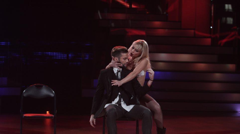 Χορογράφος του «Dancing With The Stars» έγινε μανούλα