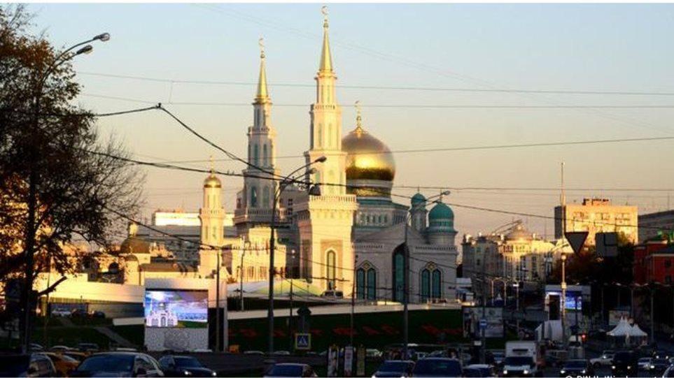 Ρωσία: Ξεκινά την λειτουργία του στη Μόσχα το μεγαλύτερο τζαμί της Ευρώπης