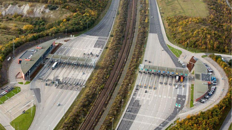 Φωτογραφίες: Γέφυρα μετατρέπεται σε τούνελ και συνδέει την Δανία με την Σουηδία