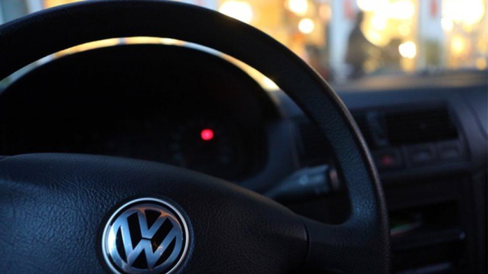 Κάτω από τα €100 η μετοχή της Volkswagen - Έχασε το 1/3 της αξίας της μέσα σε δύο μέρες