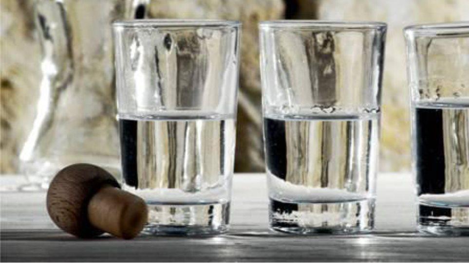 Πρέβεζα: Μετέφεραν μεγάλες ποσότητες αδασμολόγητου τσίπουρου