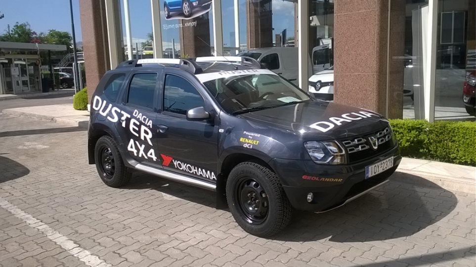 Πλοηγός του Ράλι Ακρόπολις το Dacia Duster