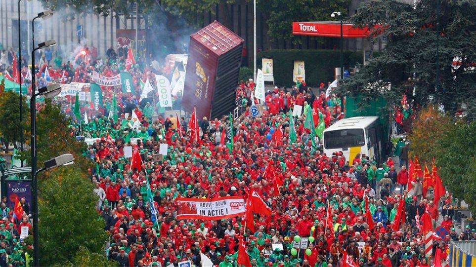 Βέλγιο: Δεκάδες χιλιάδες άνθρωποι διαδήλωσαν εναντίον της λιτότητας