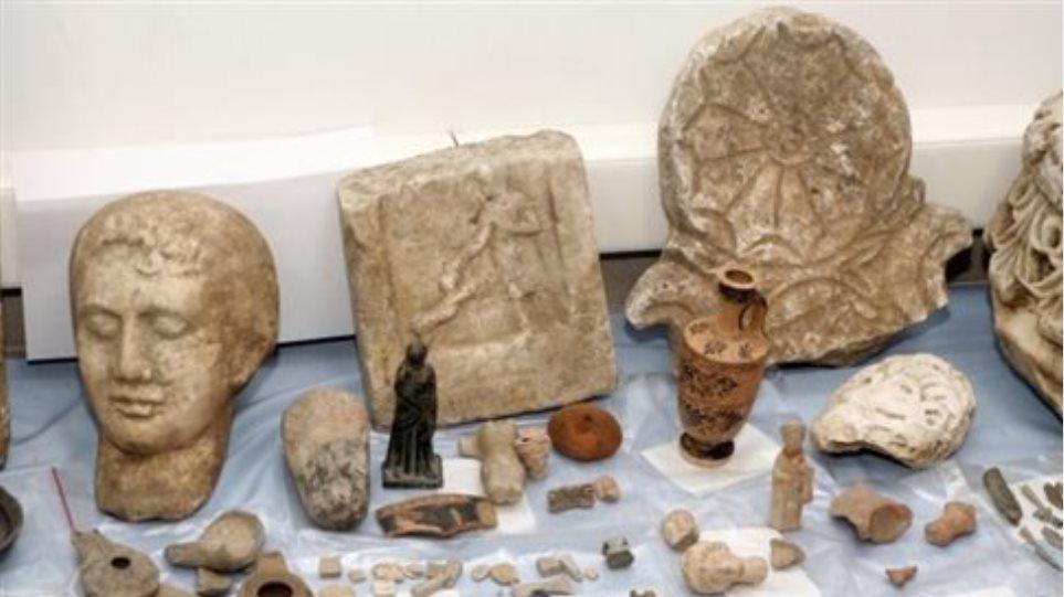 Κομοτηνή: Αρχαιοκάπηλος είχε κρύψει θησαυρό μέσα στο σπίτι του