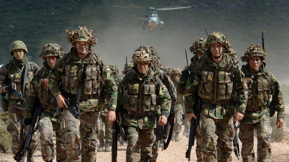 Στρατεύματα στη Βαλτική στέλνει η Βρετανία