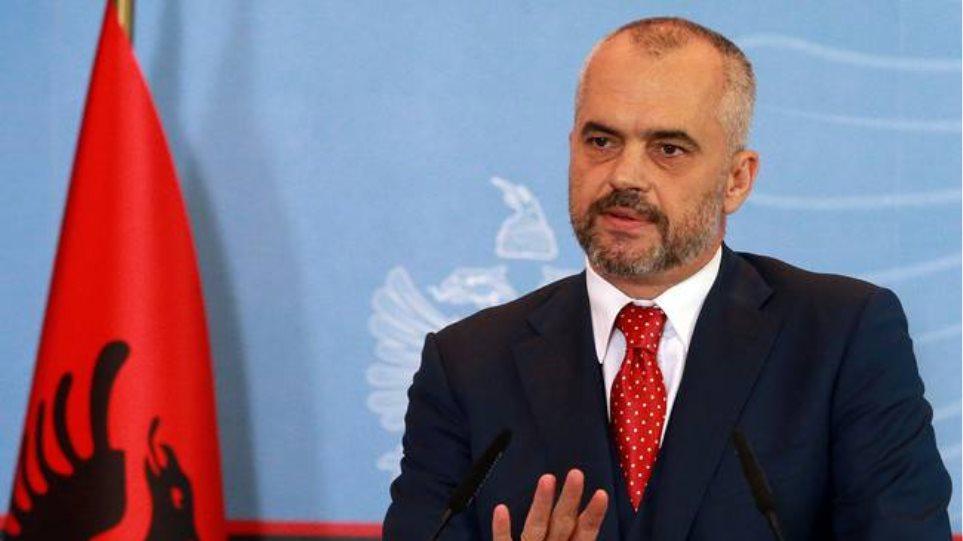 Αλβανία: Μετά τον πετροπόλεμο ήρθε και η προσχηματική «συγγνώμη» από τον Ράμα
