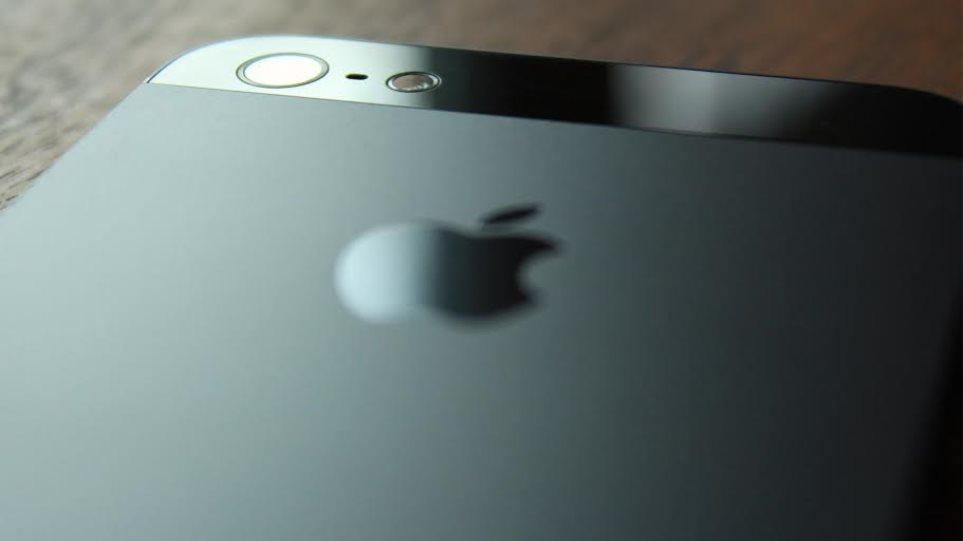 Info Quest: Εξαπάτηση καταναλωτών με iPhone χωρίς την εγγύηση της Apple