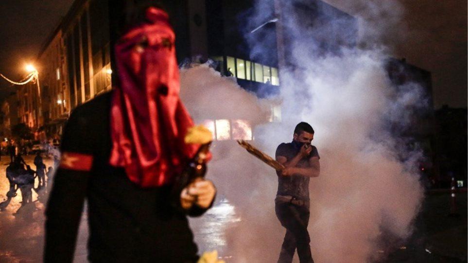 Eκρυθμη η κατάσταση στην Τουρκία - Στους δρόμους χιλιάδες διαδηλωτές μετά την φονική επίθεση