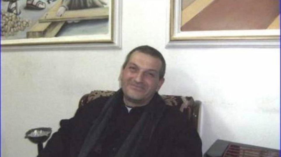 Συρία: To ISIS απελευθέρωσε αιχμάλωτο ιερέα