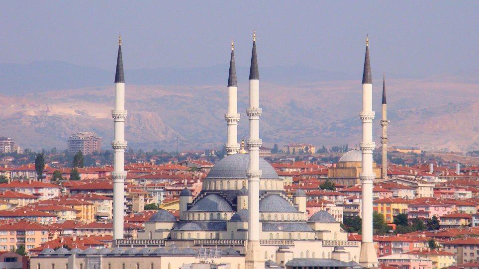 Γερμανία: Διατεθειμένη να συμπεριλάβει την Τουρκία στις «ασφαλείς χώρες»