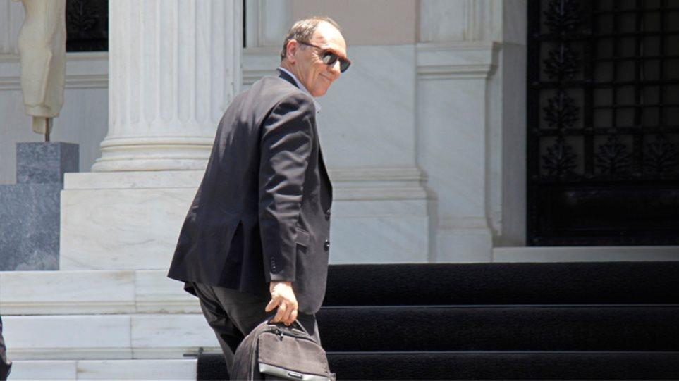Τον Σταθάκη «δείχνουν» ως τον υπουργό με το ένα εκατ. ευρώ στο «Πόθεν Έσχες»
