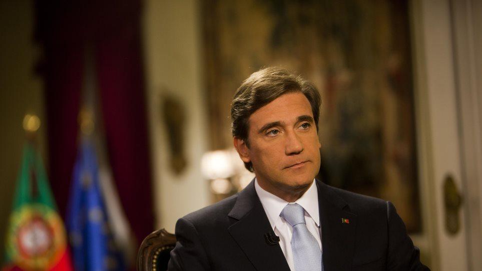 """Πορτογαλία: Ο πρωθυπουργός Κοέλιο καταγγέλλει """"εκβιασμό"""" των Σοσιαλιστών"""