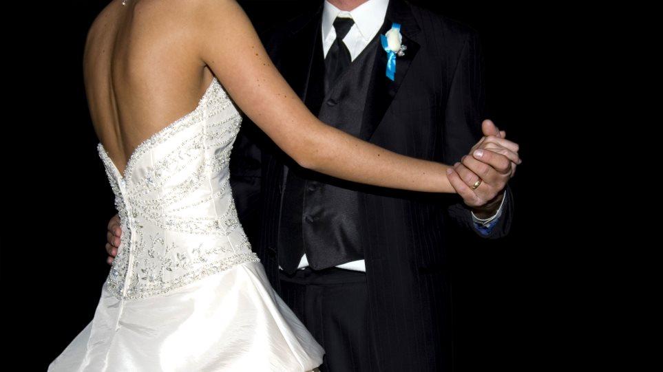 Ρόδος: Νιόπαντροι γλεντούσαν το γάμο τους ενώ τους έκλεβαν
