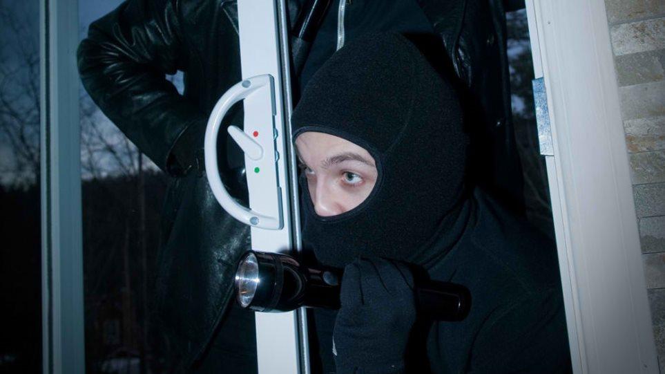 Ρουμάνοι... «Spiderman» χτυπούσαν σούπερ μάρκετ με ριφιφί