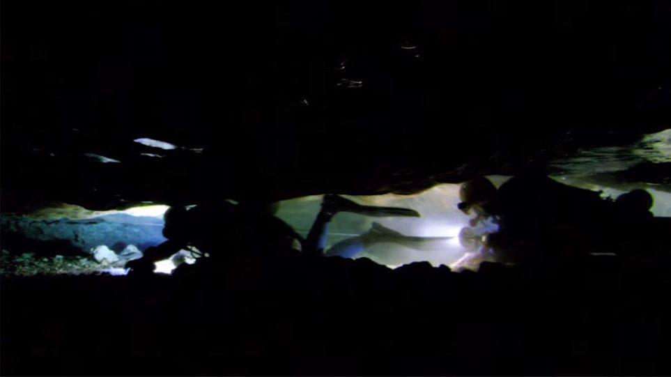 Ανατριχιαστικό βίντεο: Επιστήμονες παγιδεύονται σε υποβρύχια σπηλιά