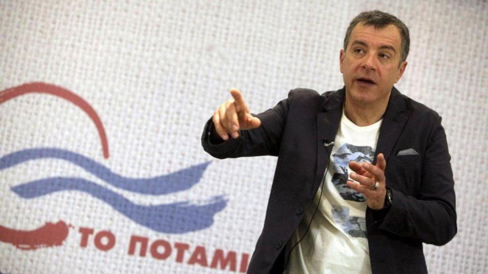 Θεοδωράκης κατά Σκουρλέτη: Έχει δώσει στο «Έθνος» περισσότερες συνεντεύξεις από εμένα