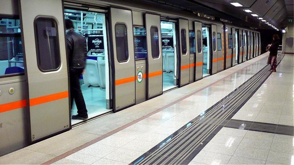 Κάμερες ασφαλείας στο εσωτερικό των συρμών του Μετρό