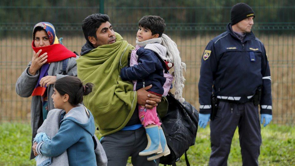 Δεν θα δεχθεί απεριόριστο αριθμό μεταναστών, δηλώνει η Σλοβενία