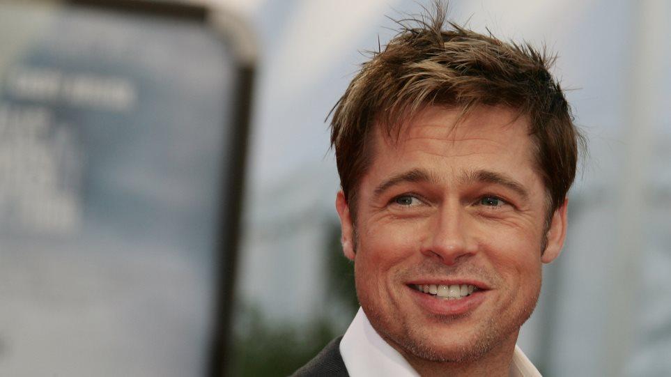 Γκριζομάλλης έγινε ο Brad Pitt