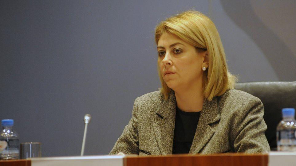 Τα ΝΕΑ: Η Σαββαΐδου έμαθε για τη «δίωξή» της από τα προσκείμενα στον ΣΥΡΙΖΑ φύλλα