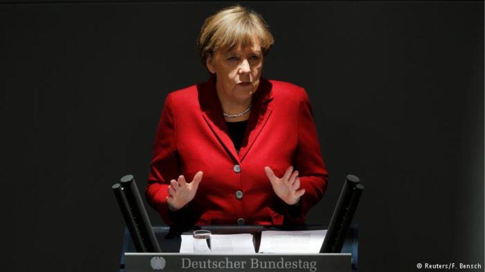 Γερμανία: Δέκα χρόνια καγκελάριος η Μέρκελ