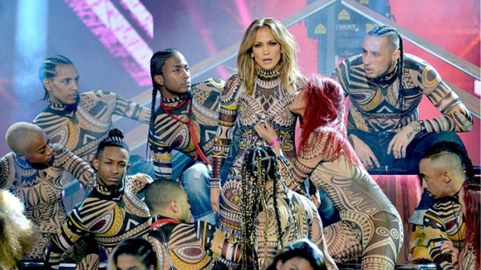 Τα έδωσε όλα η Jennifer Lopez στα American Music Awards