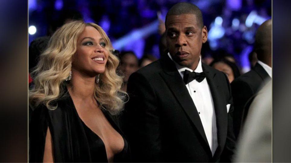 Beyonce: Προκλητική εμφάνιση χωρίς... σουτιέν
