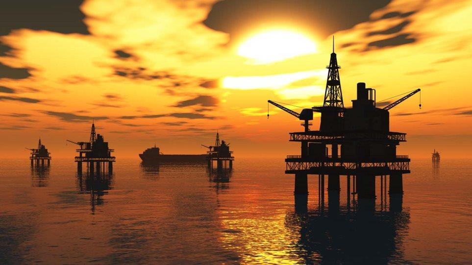 Πτώση στην τιμή του αργού πετρελαίου τύπου WTI, άνοδο για το τύπου Brent