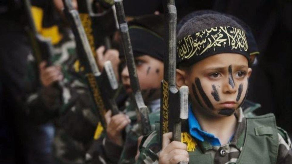 Iσλαμικό Κράτος: Στρατολογούν παιδιά για να σκοτώνουν με μισθό 250 δολάρια το μήνα