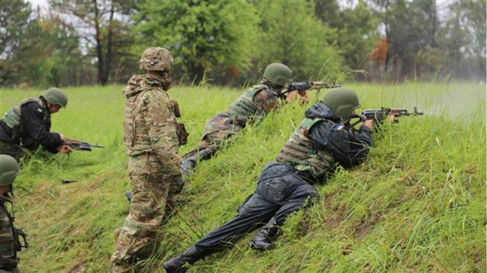 Ουκρανία: Πάνω από 300 Αμερικανοί εκπαιδεύουν Ουκρανούς στρατιώτες