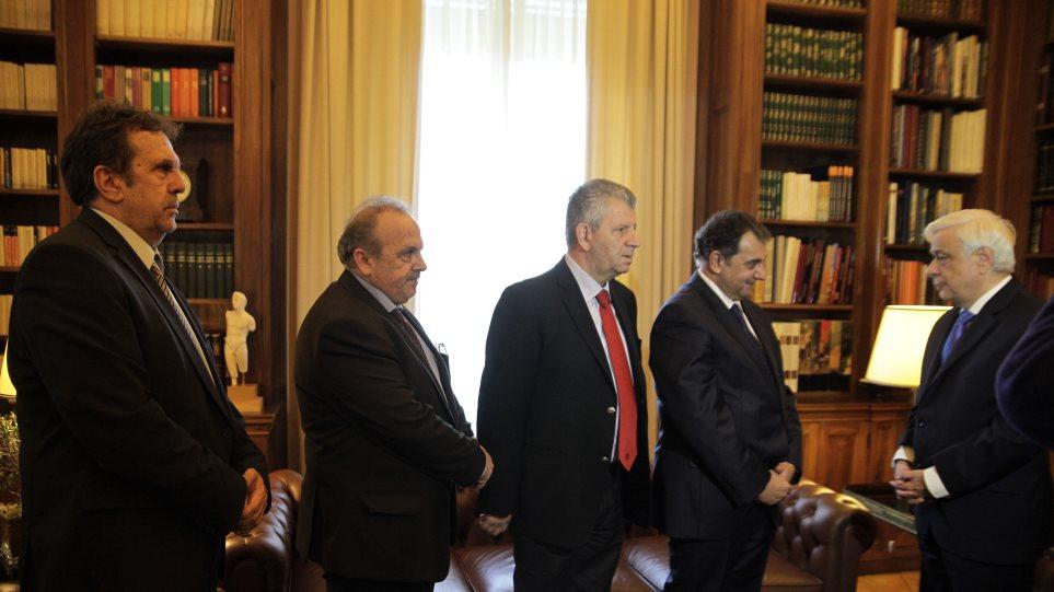 Παυλόπουλος προς Κράουτζικ: «Στηρίξτε το ελληνικό ασφαλιστικό σύστημα, που υπέστη πλήγμα από το PSI»