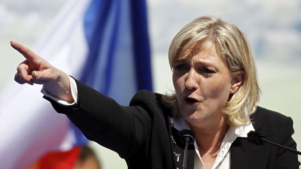 Λεπέν: «Φόρος τιμής στην άκρα δεξιά τα αντιτρομοκρατικά μέτρα»