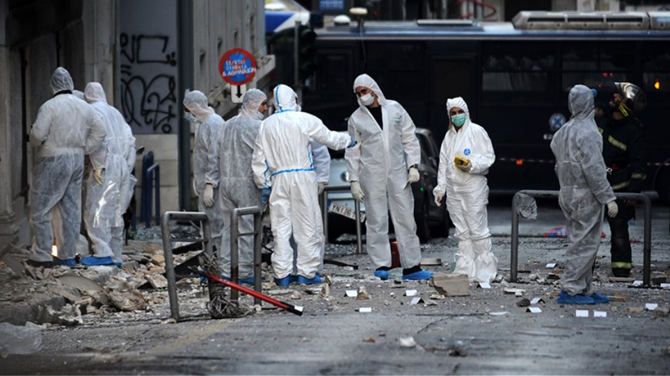 Έκρηξη βόμβας στα γραφεία του ΣΕΒ στο Σύνταγμα