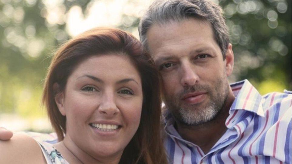 Έλενα Παπαρίζου: «Παντρευτήκαμε πάνω στα capital controls»