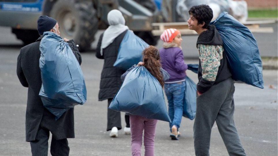 Τετραπλάσιο αριθμό μεταναστών σε σχέση με το 2014 υποδέχθηκε η Γερμανία το πρώτο 11μηνο