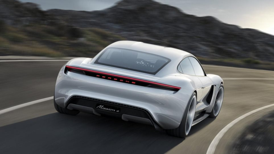 Στα τέλη της δεκαετίας το ηλεκτρικό sports car της Porsche