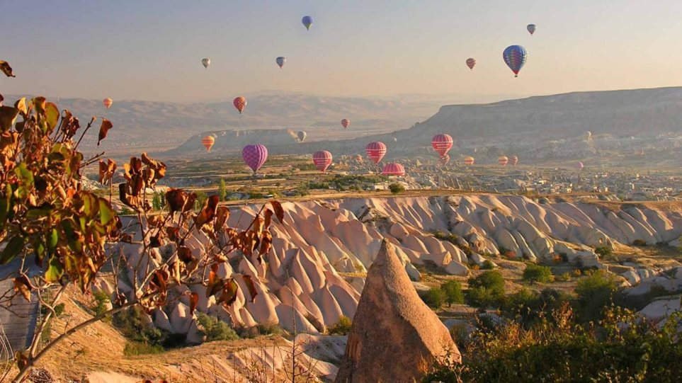 Condé Nast Traveler: Τα 5 ομορφότερα μέρη του κόσμου