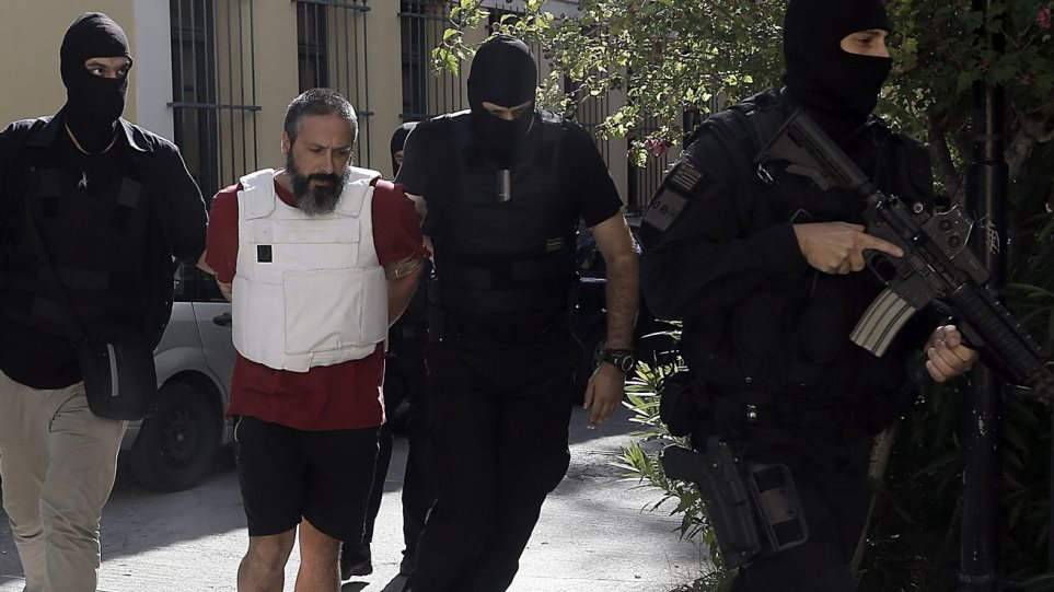 Πετρακάκος από την φυλακή: Είμαι «ικανός ληστής τραπεζών», αλλά όχι τρομοκράτης