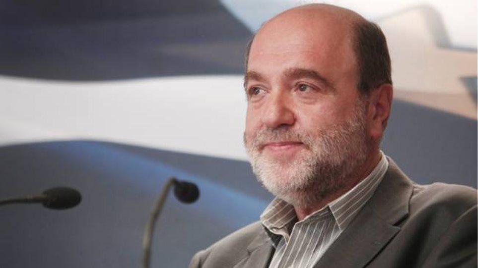 Αλεξιάδης: Μόνο ακρίτες και ηλικιωμένοι θα γλυτώσουν από το αφορολόγητο με πλαστικό χρήμα